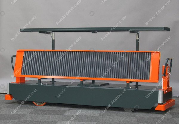 AGV tomato harvest trolley | Image 3