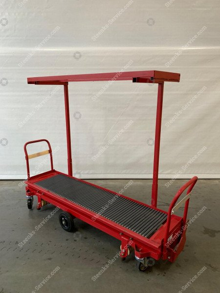 Tomato harvest trolley