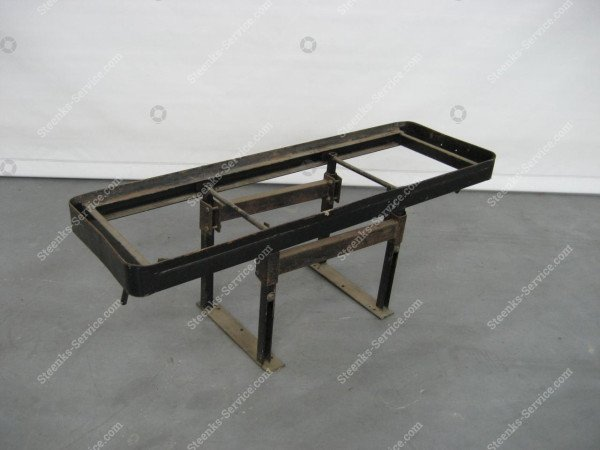 Sliding rack for crates or bottom contai
