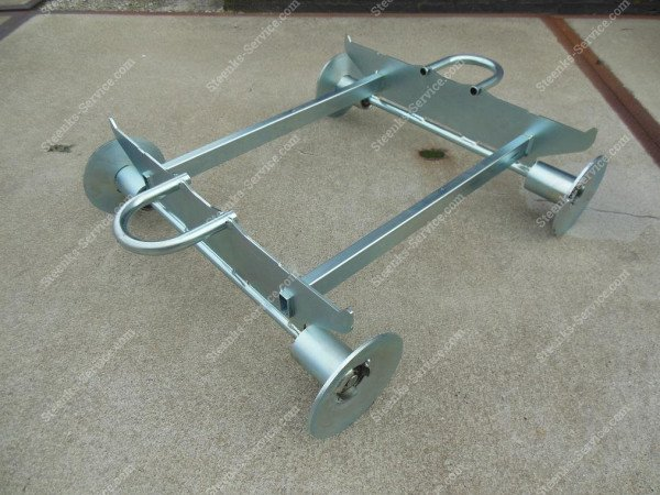 Pipe rail under carriage for Danish cart | Image 3