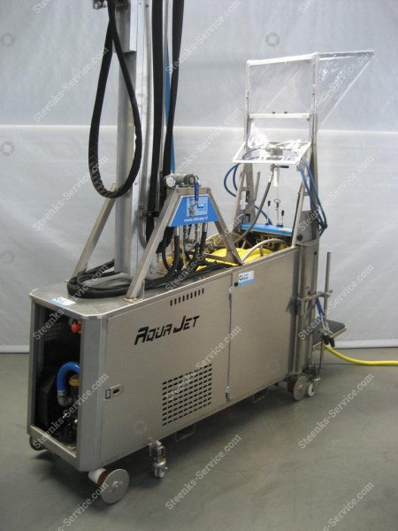 AquaJet greenhouse roof cleaner | Image 5