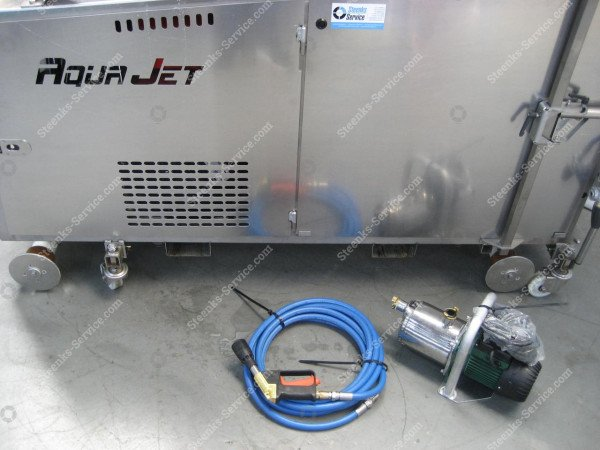 AquaJet greenhouse roof cleaner | Image 10