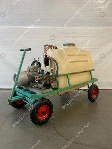 Motor vessel sprayer